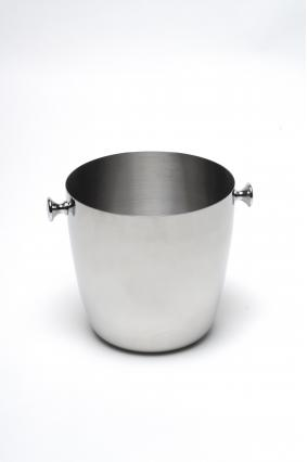 Champagne bucket for foot